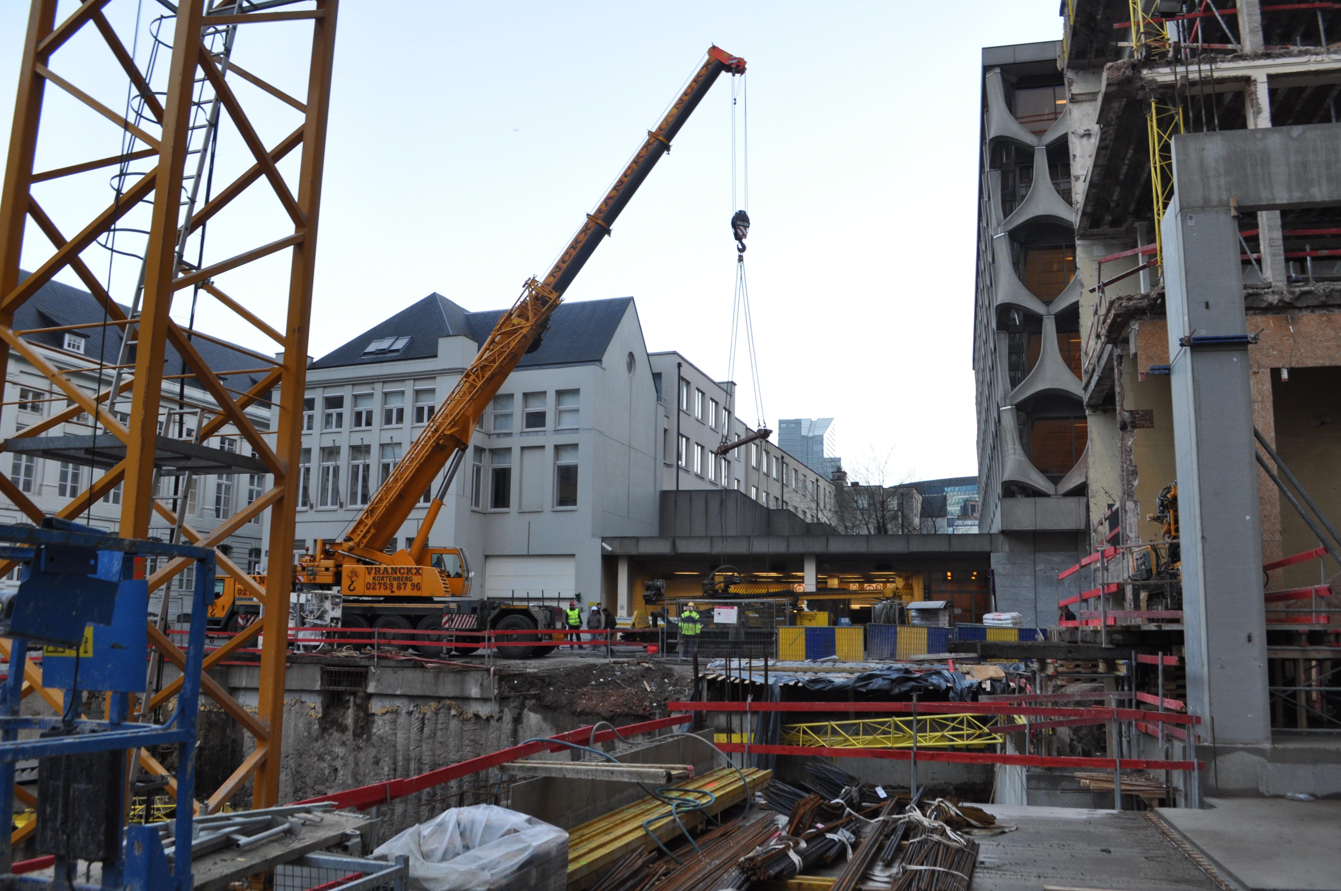 chantier-bruxelles-centre-forage-installation-pompe-puits-geothermie-eurodrill-liege-belgique-17