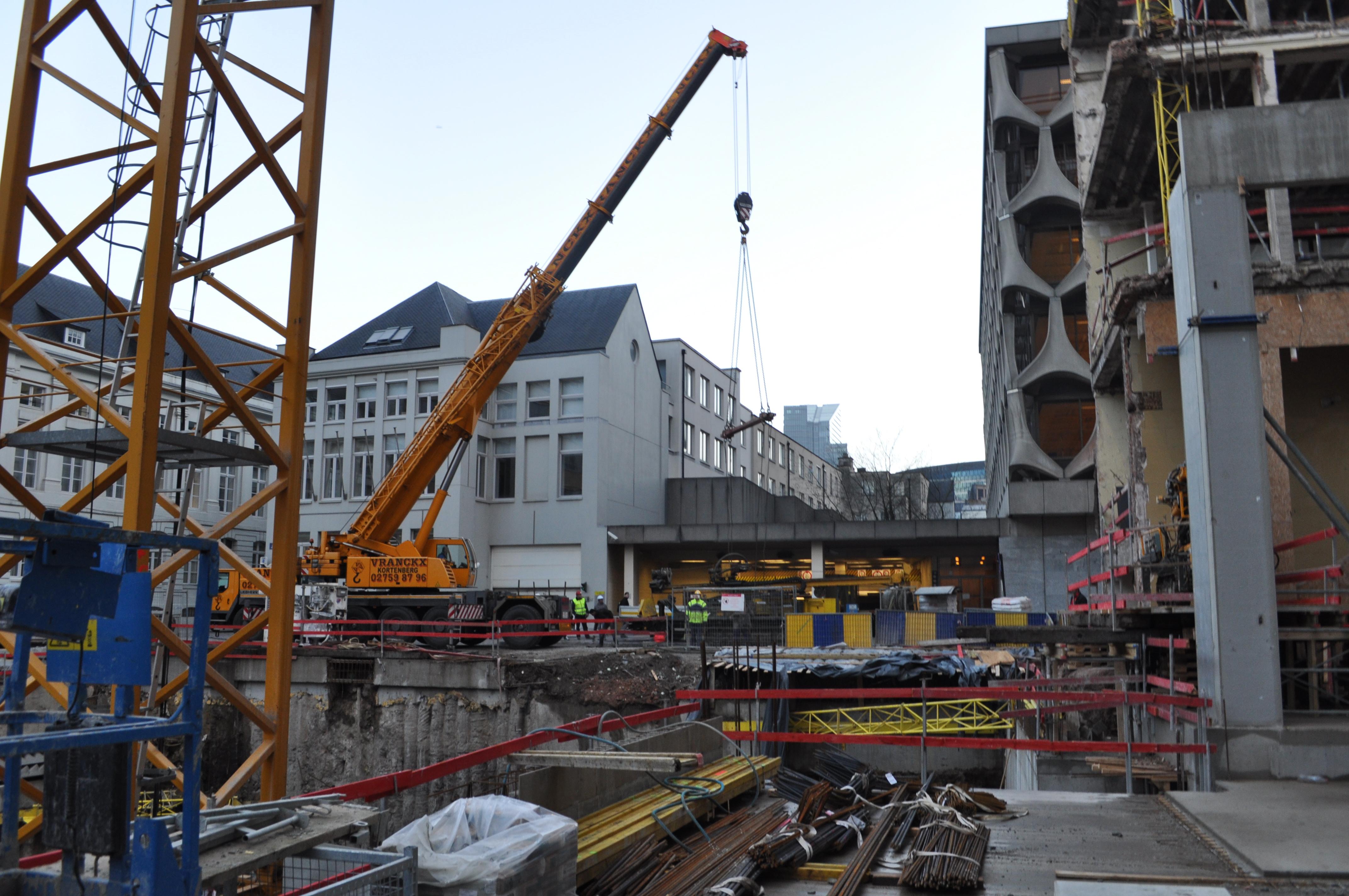 chantier-bruxelles-centre-forage-installation-pompe-puits-geothermie-eurodrill-liege-belgique-19