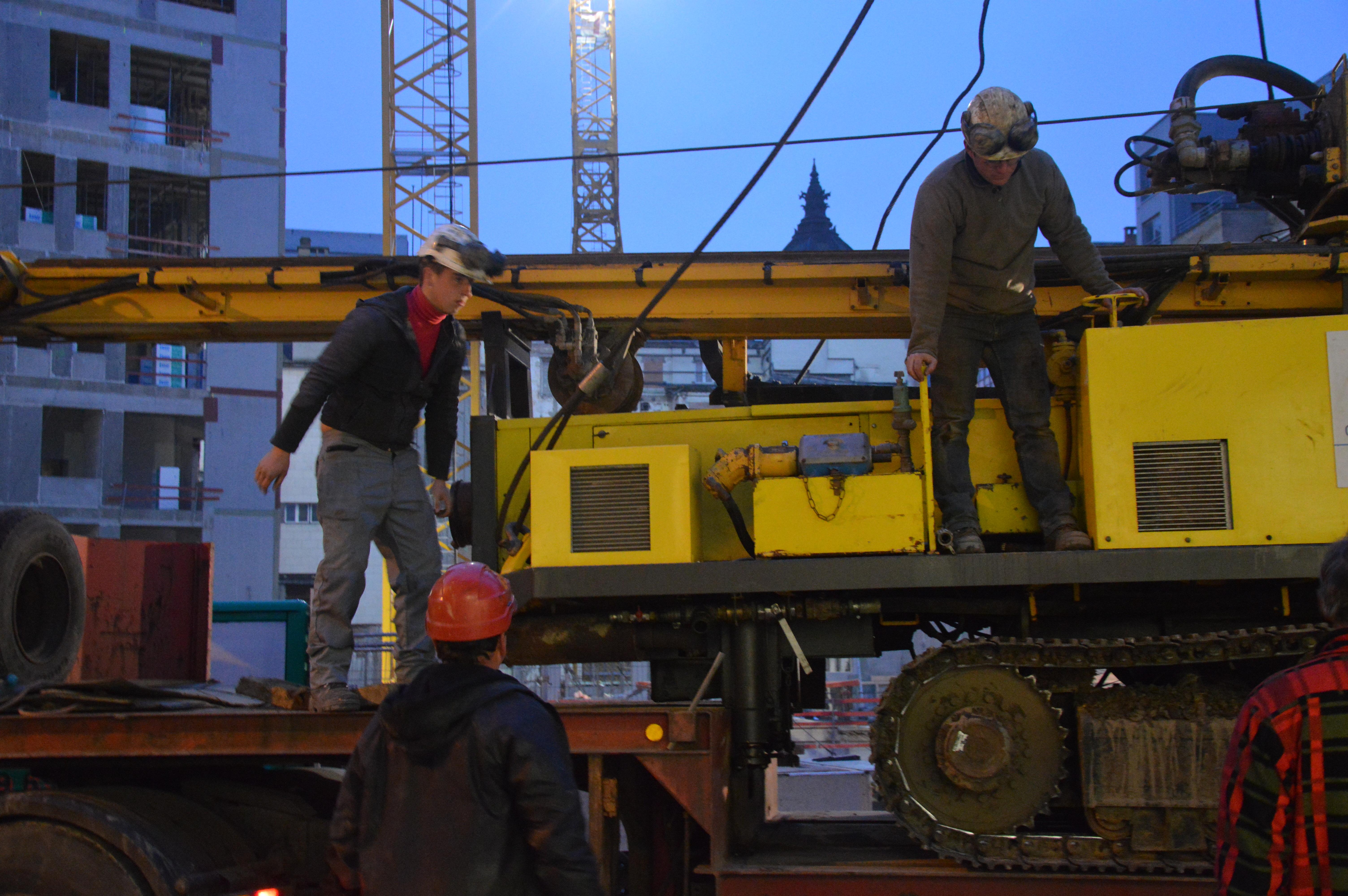 chantier-bruxelles-centre-forage-installation-pompe-puits-geothermie-eurodrill-liege-belgique-24
