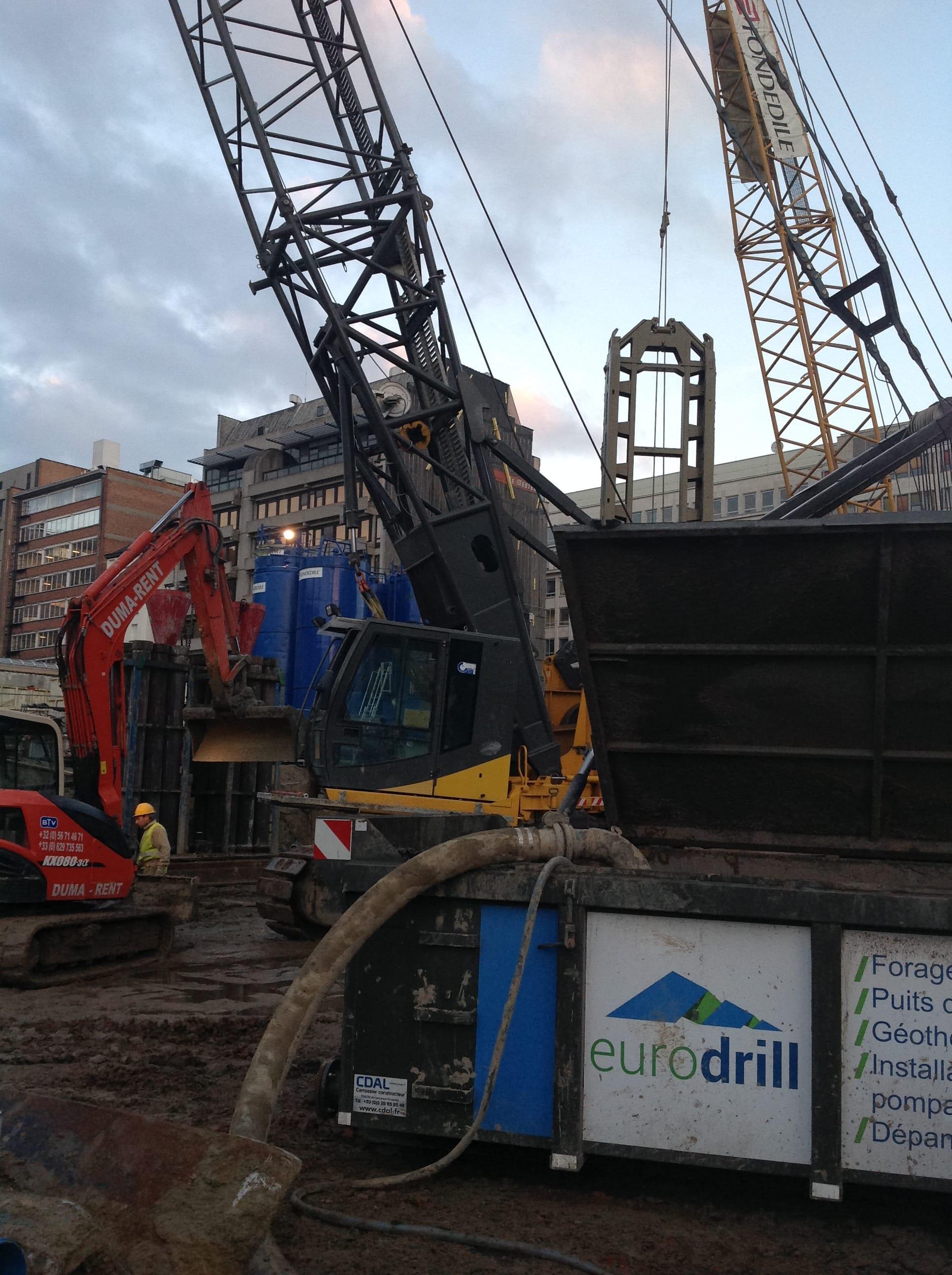 chantier-bruxelles-forage-installation-pompe-puits-geothermie-eurodrill-liege-belgique-7